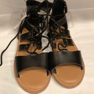 Old Navy girl's size 3 black leather sandals